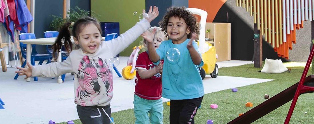 Crèche children playing